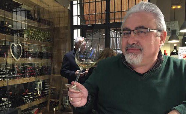 Entrevista a José Miguel García Prados (Las 10+1 preguntas de Anairas) disfrutando un vino